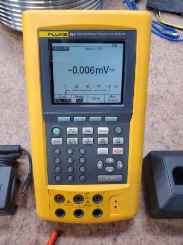 Fluke 744 HART Multifunction Process Calibrator - Traceable Calibration
