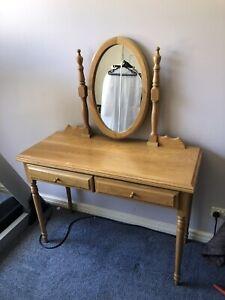 Oakwood dressing table