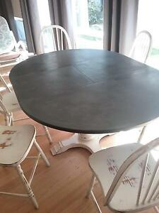 Beautiful old extendable dining table Fairview Park Tea Tree Gully Area Preview