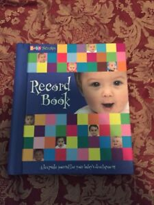 Baby's 1st year record book and first tooth holder