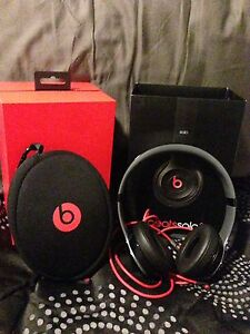 SOLO BEATS by DRE (not wireless) & EARBUDS