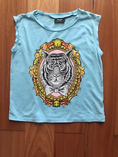 New Bardot top size 8 for girls