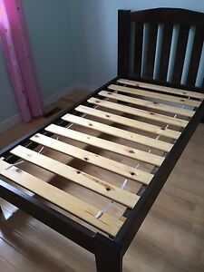 Solid Wood Twin Bed Frame with Headboard