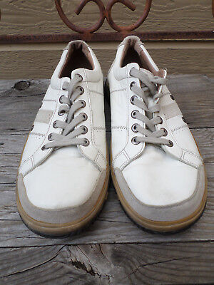Clarks cream colored leather casual shoes. Men's 11M