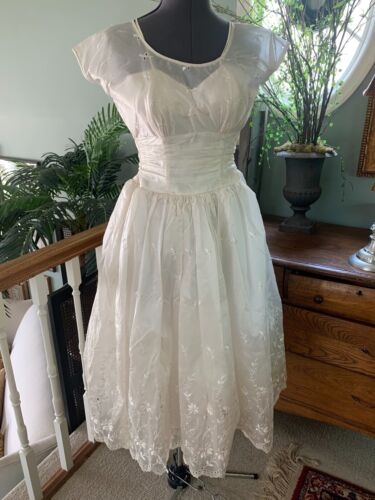 Vintage 1950s Wedding Dress Ivory Embroidered Silk Organza Tea Lenth Size 8