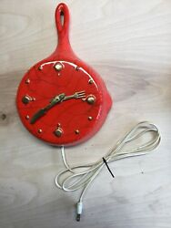 "*BeAuTiFuL/ArT DeCo* ""1950's SKILLET KITCHEN CLOCK""...Works Great...LK"