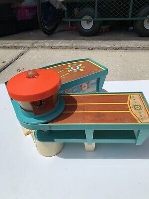 1972 Fisher-Price Little People Play Family Airport Vintage Toy 1970s #996