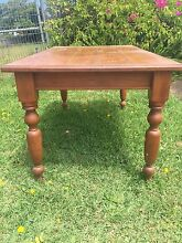 Beautiful antique style timber dining setting including chairs Cronulla Sutherland Area Preview