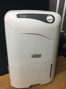 Dehumidifier - rarely used compact Delonghi CF08M model Mosman Mosman Area Preview