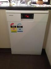 Freestanding Samsung dishwasher for sale Elanora Gold Coast South Preview
