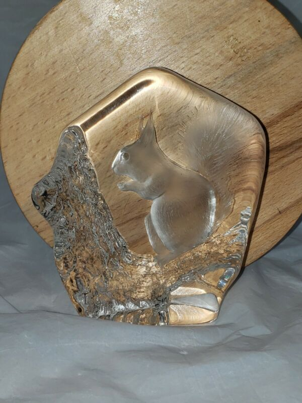 MATS JONASSON Squirrel Paperweight Signed Lead Crystal Etched Glass