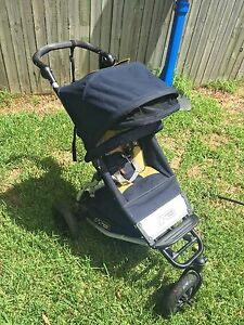 Amazing Condition Mountain Buggy Swift with Sun Shade. BARGAIN!! Hamilton South Newcastle Area Preview