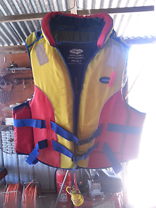 extra large life jacket in great condition never used. Leitchville Gannawarra Area Preview