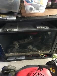Lennox gas fireplace 17,500 BTUS like new used only a few times
