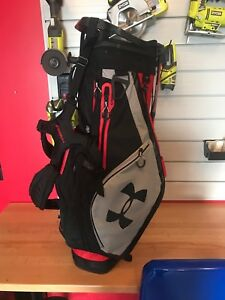 Under armour golf bag used 1 season.