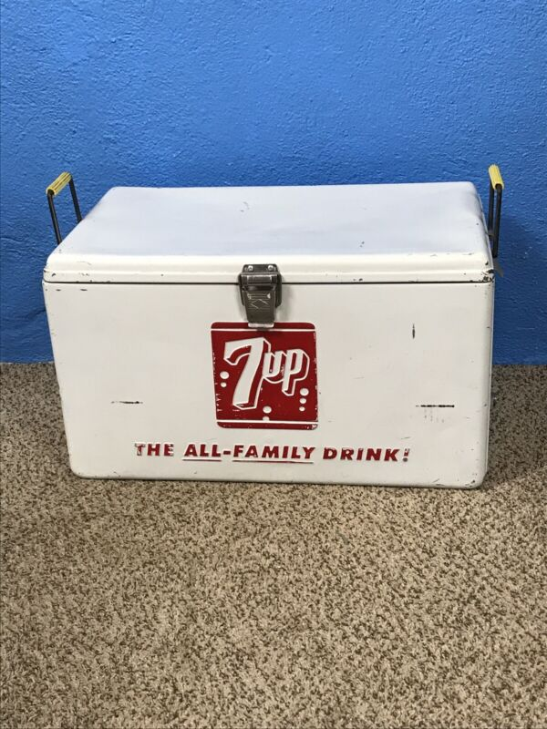 Vtg.7 up Progress Refrigerator Co. White Ice Chest The All Family Drink Cooler