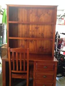 Desk & Hutch Kurrajong Hills Hawkesbury Area Preview