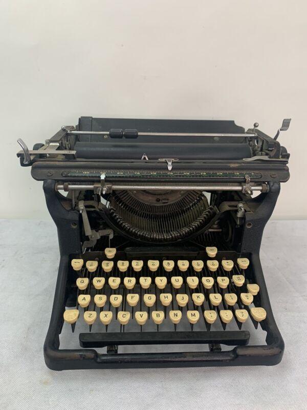 Underwood typewriter photos of Underwood 11 by year then