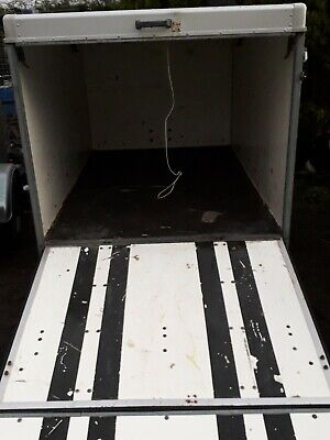 Box Trailer TOW a van 750kg Rare model rear ramp TOW A VAN Motor home camper