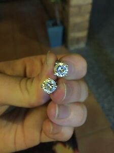 2 white diamond simulant studs Cleveland Redland Area Preview