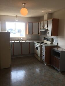 2 bedroom apartment- Aylmer - October 1 or November 1