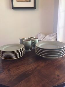 Dark green dishes