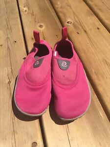 Size 13 girls water shoes