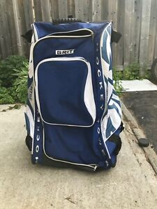 Large hockey bag for sale w' organizers