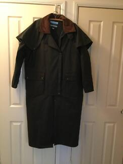 Brand new Kosciusko Oilskin Coat - Large Yamanto Ipswich City Preview