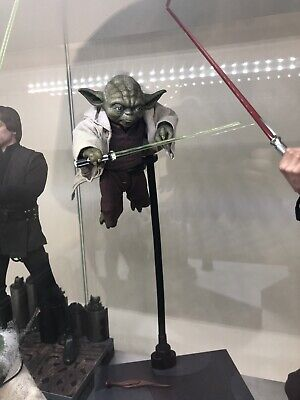 Hot toys Star Wars Yoda MMS495  (Used, Sideshow) 1/6 figure