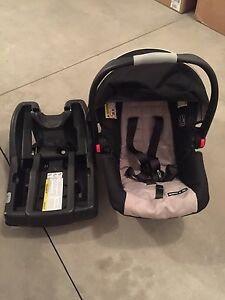 Graco baby car seats and bases