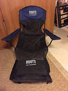 Blue/Black Roots Foldable Chair With Foot Rest