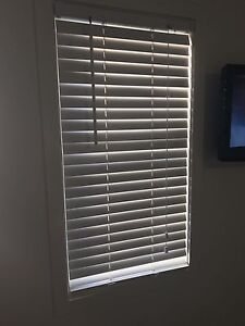 3 x White Venetian Blinds Tarragindi Brisbane South West Preview