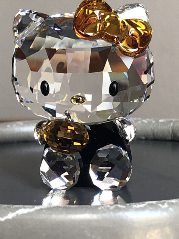 Swarovski crystal figurine Sanrio Hello Kitty Halloween 1191918 - Mint condition
