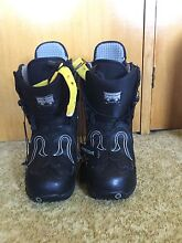 Women's Burton snowboard boots, size 7 Charlestown Lake Macquarie Area Preview