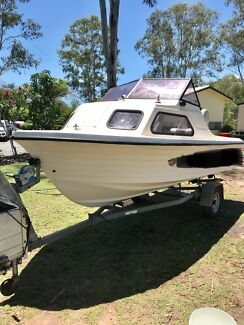 4.75m Boat Vickers Easy Rider