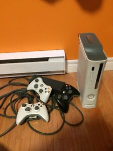 Xbox 360 - 2 white controller with games