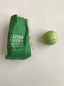 Green Macaron Bubble Bar Bath Bomb Lush Cambridge Kitchener Area image 1