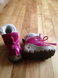 Olang winter boots baby girl West Island Greater Montréal image 1