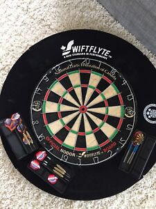 Dartboard with foam surround - darts included