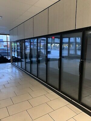 3 Yrs Used Walk-in 12 Glass Doors Merchandiser Cooler With 1 Unit Refrigeration
