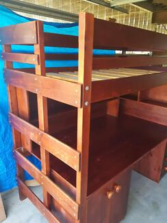 Bunkers loft single bed with desk in good conditon