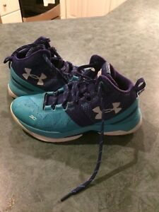 Under armor size 6 youth basketball shoes