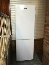 Samsung 325 L frost free fridge freezer Bexley Rockdale Area Preview