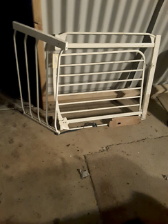 Baby safety gate plus extension piece