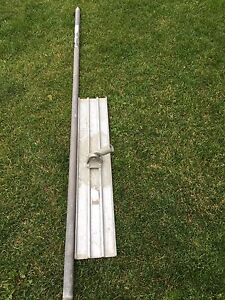 40 inch concrete float broom and pole