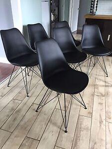 Six chaises Eiffel