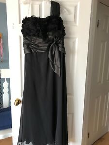 Black evening \prom dress
