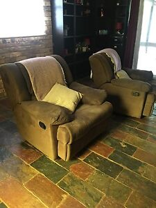 Recliners 2x Bethania Logan Area Preview