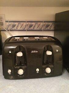 ** 4 Slot Sunbeam Toaster **